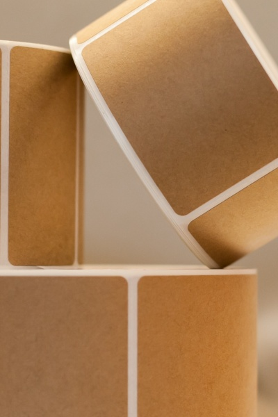able-label-kraft-block-out-labels-are-best-for-covering-up-old-or-unwanted-information-on-corrugated-boxes